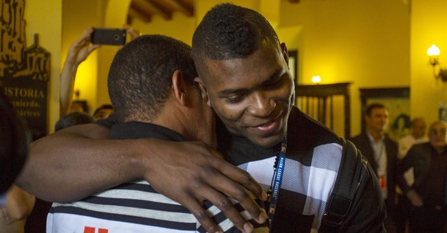 Triumphant return for Cuban baseball defectors Puig, Abreu