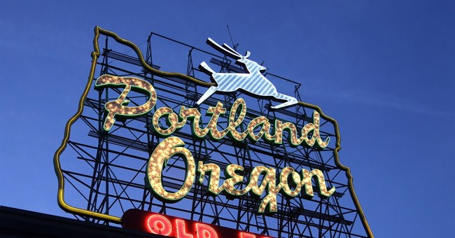 Possible deal in Portland, Pabst brouhaha over iconic sign