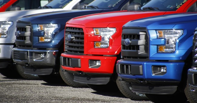 Firms say December will best US auto sales month since 2005