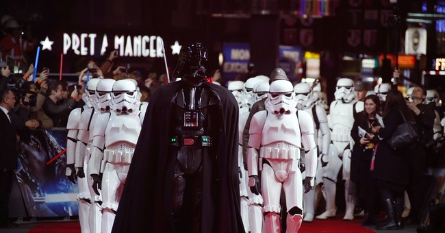 Egypt theater cancels Star Wars showings on opening day