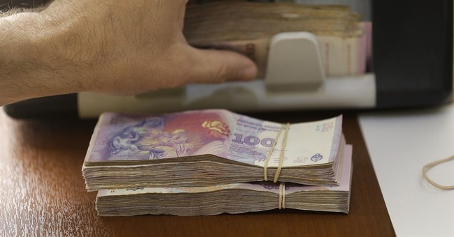 Winners and losers of Argentine currency devaluation