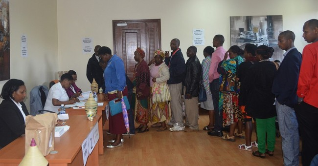 Rwandans vote to lift term limits; partial poll results