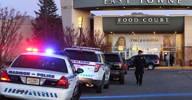 1 injured in Wisconsin mall shooting on busy shopping day