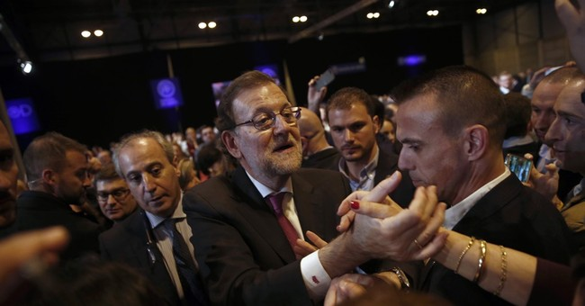 Spain's political leaders relax before Sunday's key election