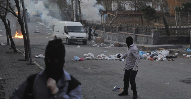 Turkish police fire gas at protest against southeast curfews