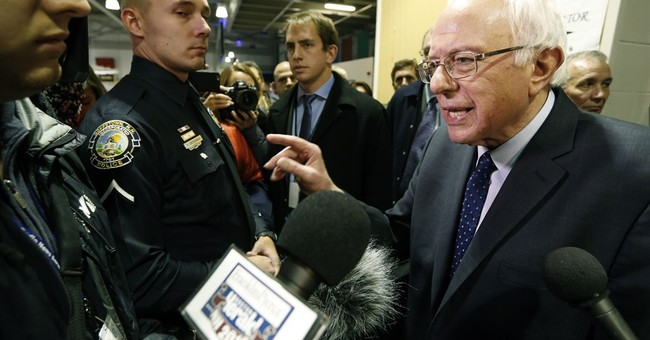 Analysis: Sanders struggles to gain edge in presidential bid