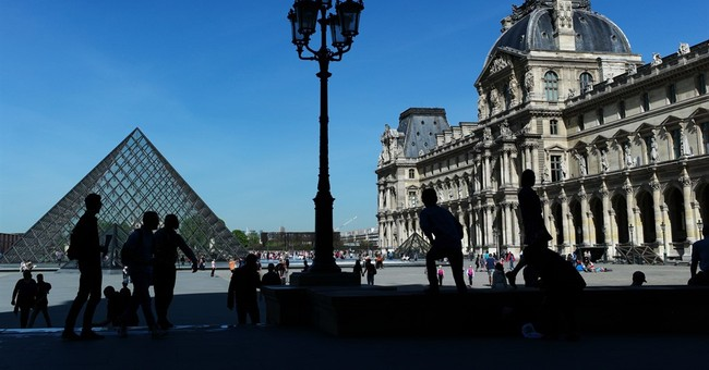 Paris tourism took hit after attacks but dip could level off