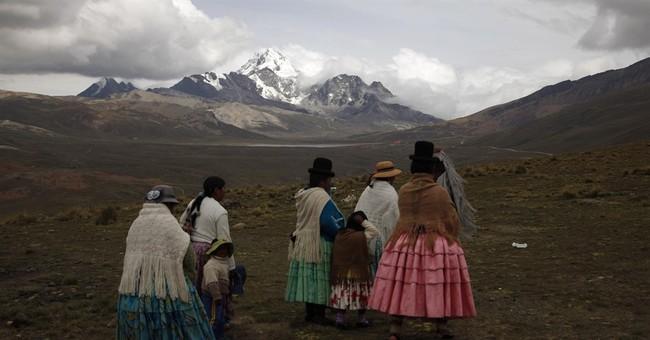 Indigenous Bolivian women scale mountains outside La Paz