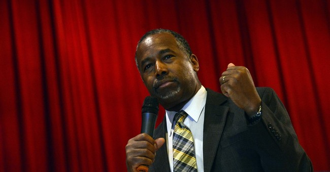Carson looks for right campaign balance on foreign affairs