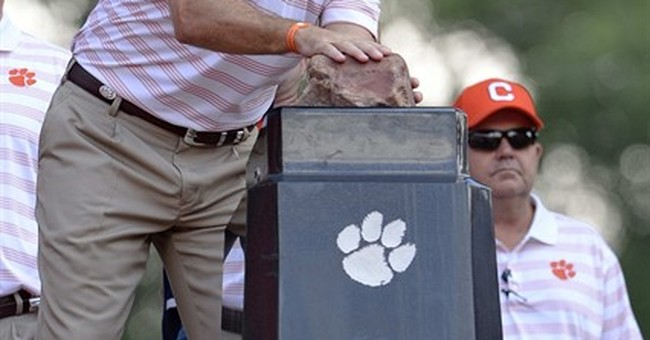 Keeping the faith: At Clemson, religion, football converge