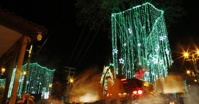 El Nino drought cuts down on Christmas lights in Colombia