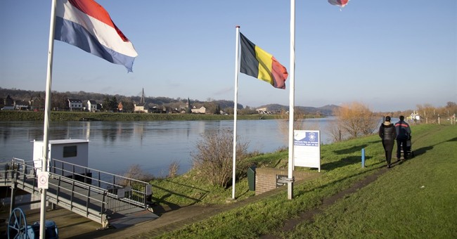 Belgium, Netherlands to exchange territory _ without a fight