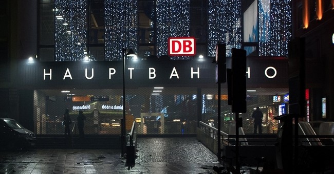 Police in Munich warn of 'imminent threat' of attack