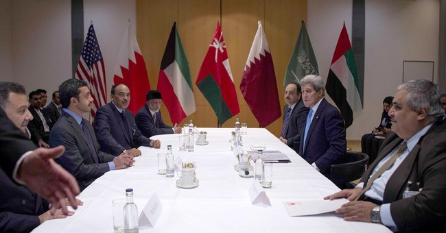 Kerry presses Iran FM on nuke deal outline by end of March