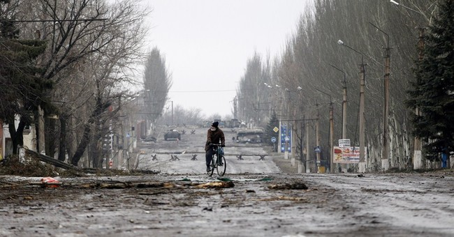 Rebels, Ukraine govt forces jointly evacuate war-hit town