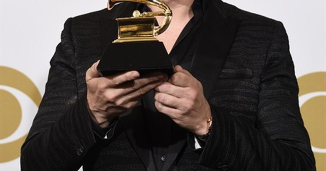 SHOW BITS: Tiesto's birthday gift becomes Grammy win