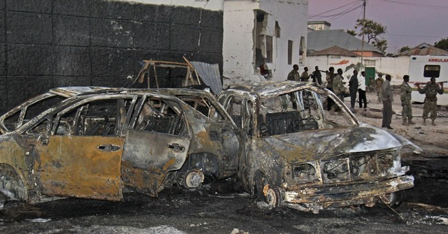 Suicide bomber kills 4 people in Somalia's capital