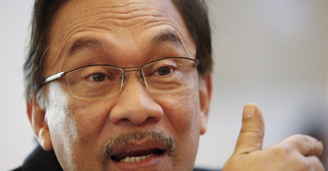Malaysia investigating dissenters over Anwar's jailing