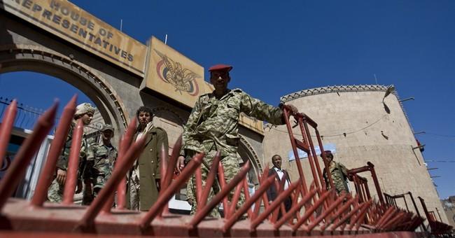 Al-Qaida militants seize Yemeni military base in south