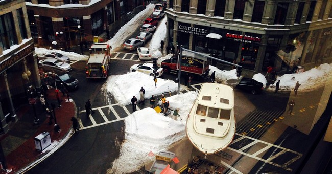 43-foot yacht blocks traffic in snow-clogged downtown Boston