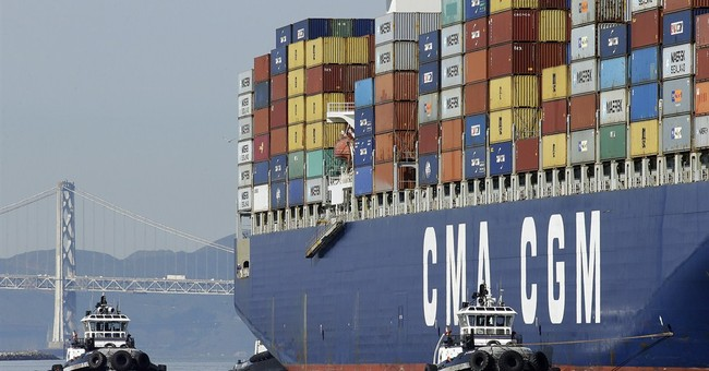 Labor secretary to press 2 sides in West Coast port dispute