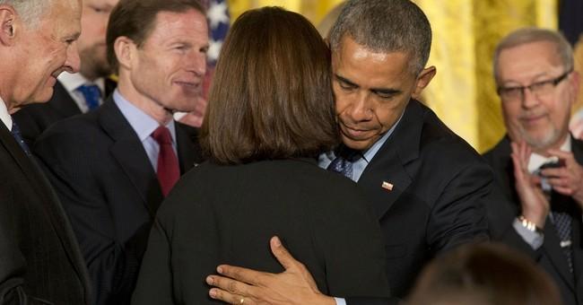 Obama signs veterans suicide prevention bill