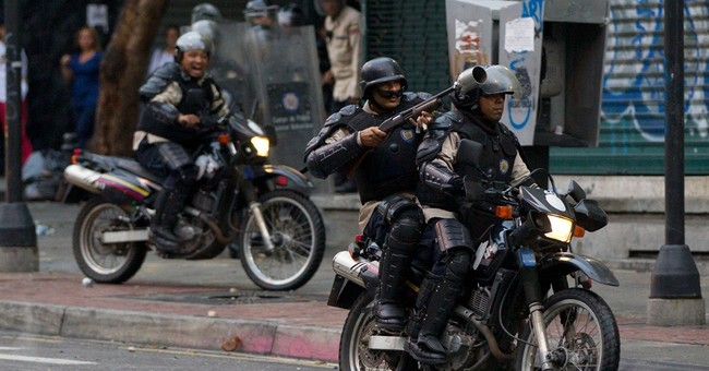 Violent clashes in Venezuela on protest movement anniversary