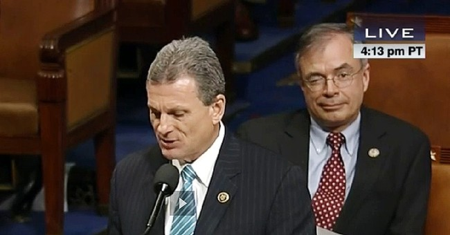 Winking congressman steals spotlight in House floor speech