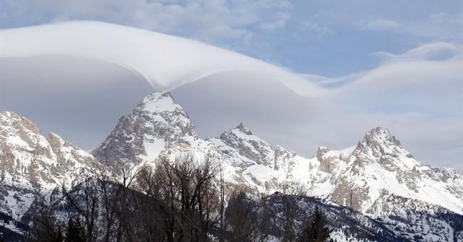 Rare, undulating clouds enchant visitors in Grand Teton