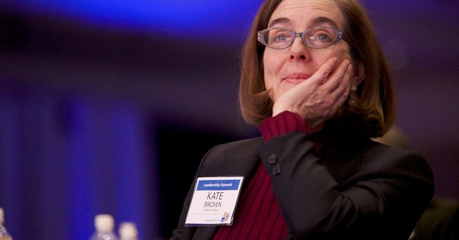 Oregon governor's resignation elevates secretary of state