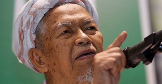 Malaysian Islamic spiritual leader Nik Aziz dies at 84