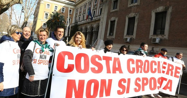 After shipwreck, concerns Costa wants to cut Italy ties