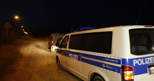 German police in Serbia to try to stem migrant exodus to EU