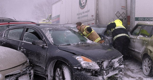 2 deadly pileups close Ohio Turnpike; snow grounds flights