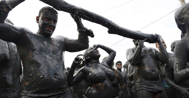 It's mud madness at Brazilian Carnival party