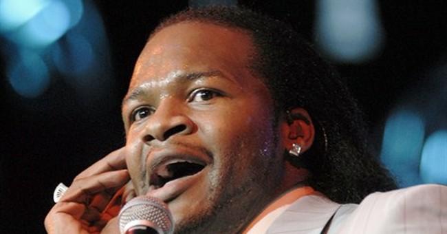 R&B singers serenade at Valentine's Day concert