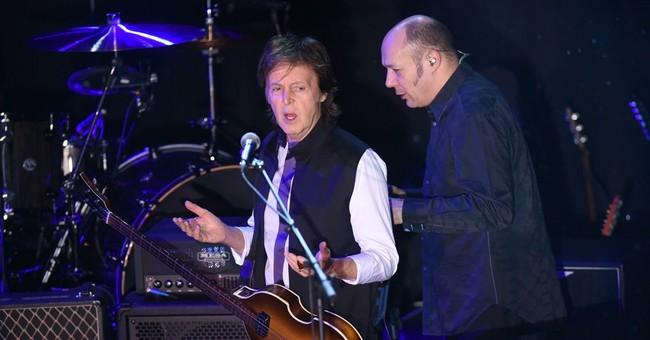 McCartney, celebrity fans celebrate Valentine's Day at NYC
