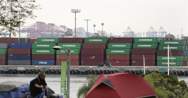 Companies in West Coast port dispute make appeal to workers