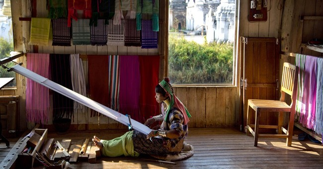 Image of Asia: Weaving traditional souvenirs in Myanmar