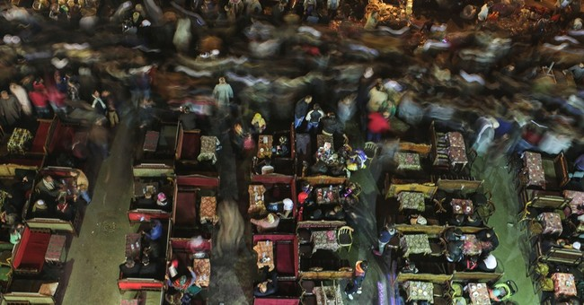 AP PHOTOS: Muslims in Egypt mark birth of prophet's grandson