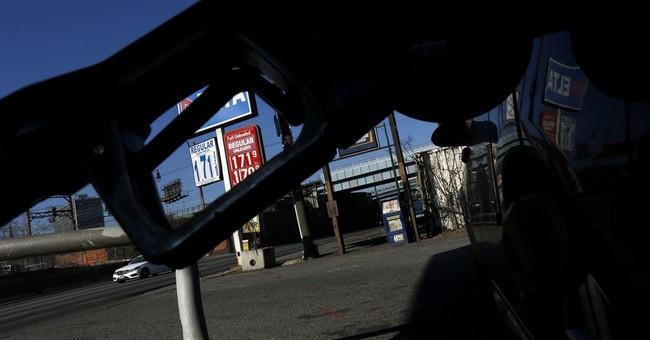 US wholesale prices drop 0.8 percent in January
