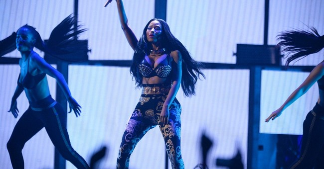 2 Nicki Minaj tour members stabbed outside bar, 1 fatally