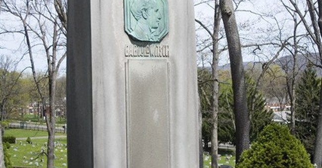 Mark Twain plaque stolen from monument at New York gravesite