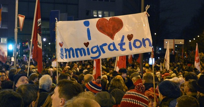 Some 30,000 Germans protest against anti-Islam rallies