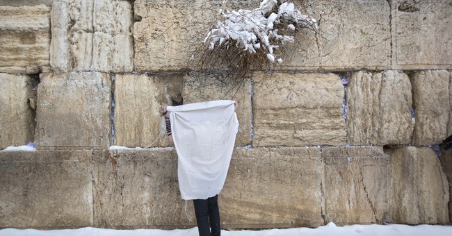Heavy winter storm descends on parts of Mideast