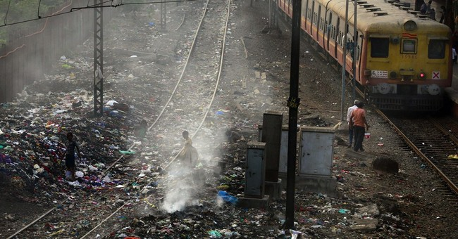 Filthy India air cutting 660 million lives short by 3 years