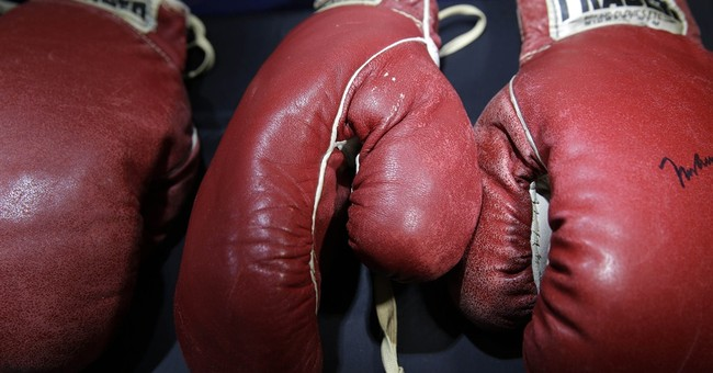 Ali, Liston gloves, Shoeless Joe photo fetch $1.1M in NYC