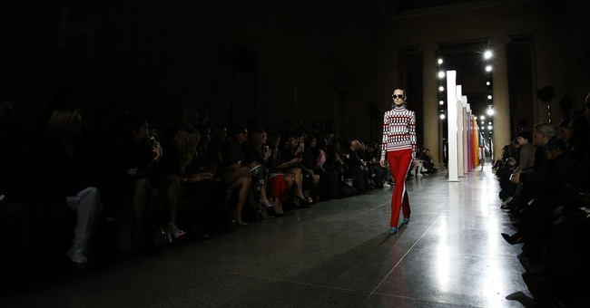 Kendall Jenner steals spotlight at London shows