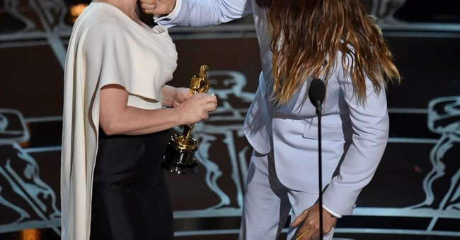 Arquette wins Oscar for supporting actress