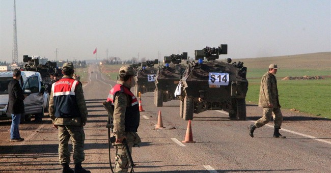 Turkish military enters Syria to evacuate troops, tomb